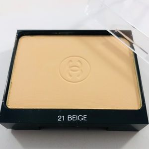 Chanel Ultra Tenue Compact Powder Foundation